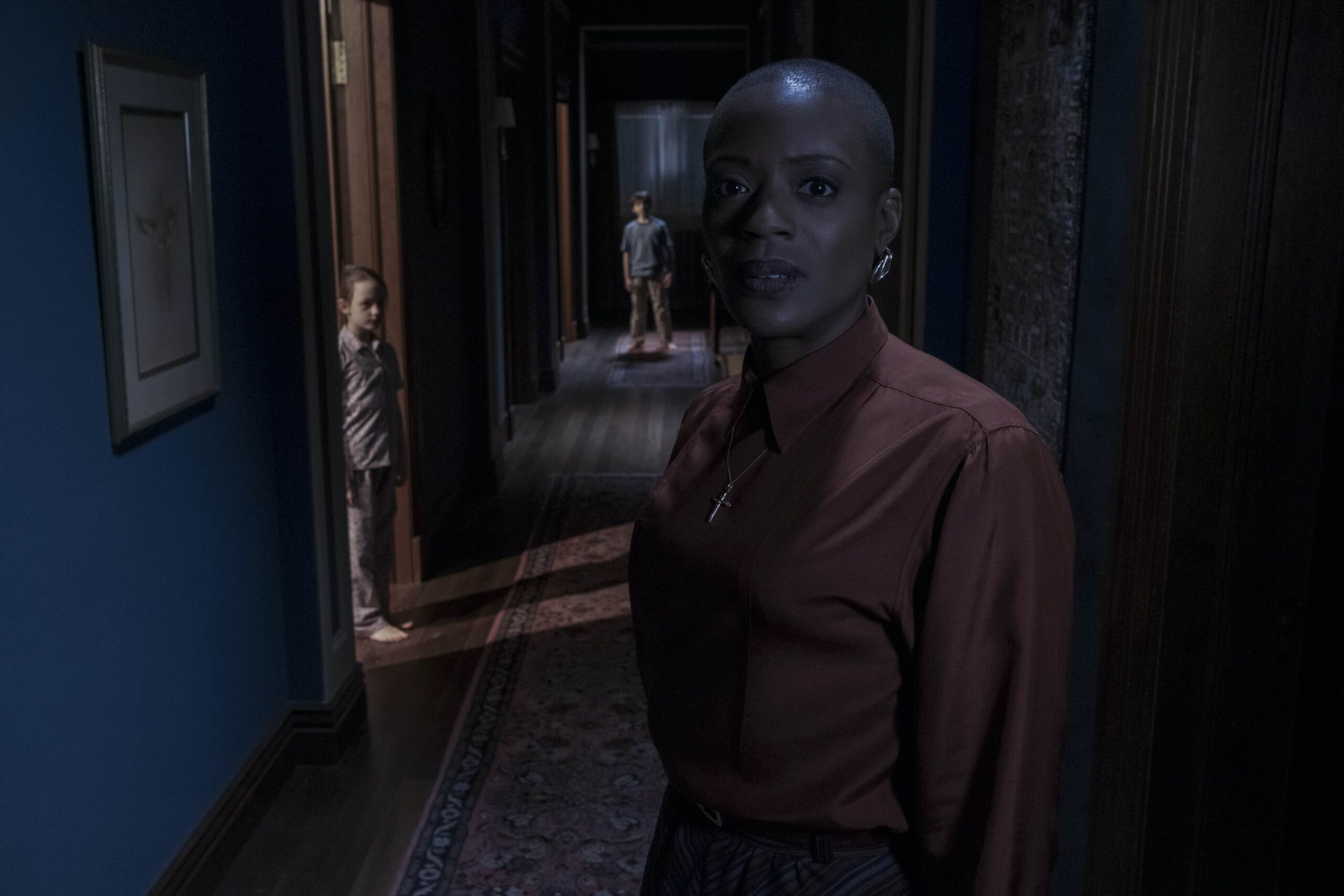 Hannah in the hallways of Bly