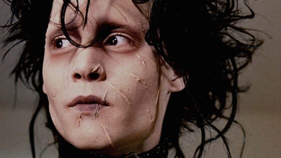Edward Scissorhands Review